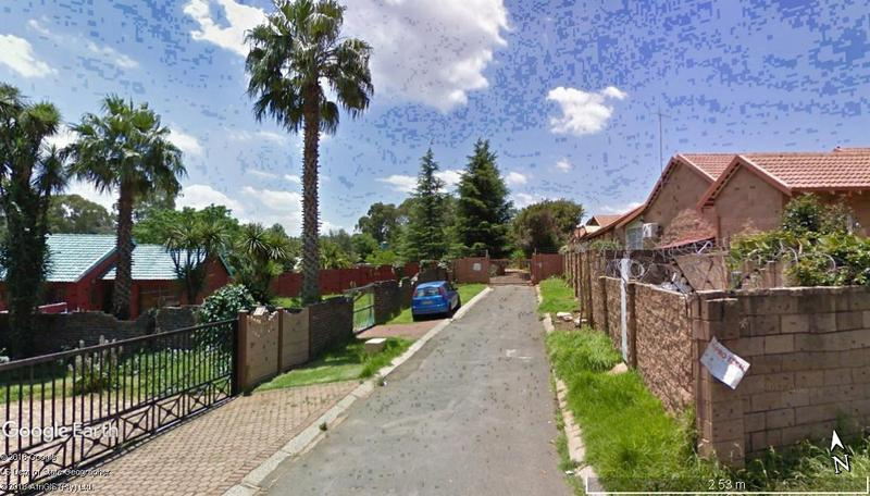Townhouse land Affordable housing For Sale in Roodepoort, Roodepoort