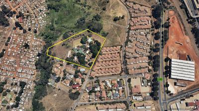 Property For Sale in Roodepoort, Roodepoort