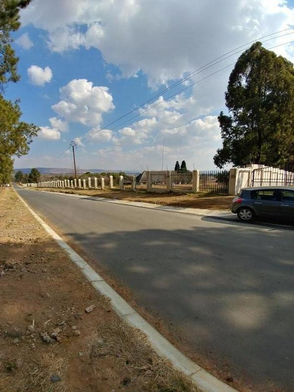 Property For Sale in Honeydew, Roodepoort 4